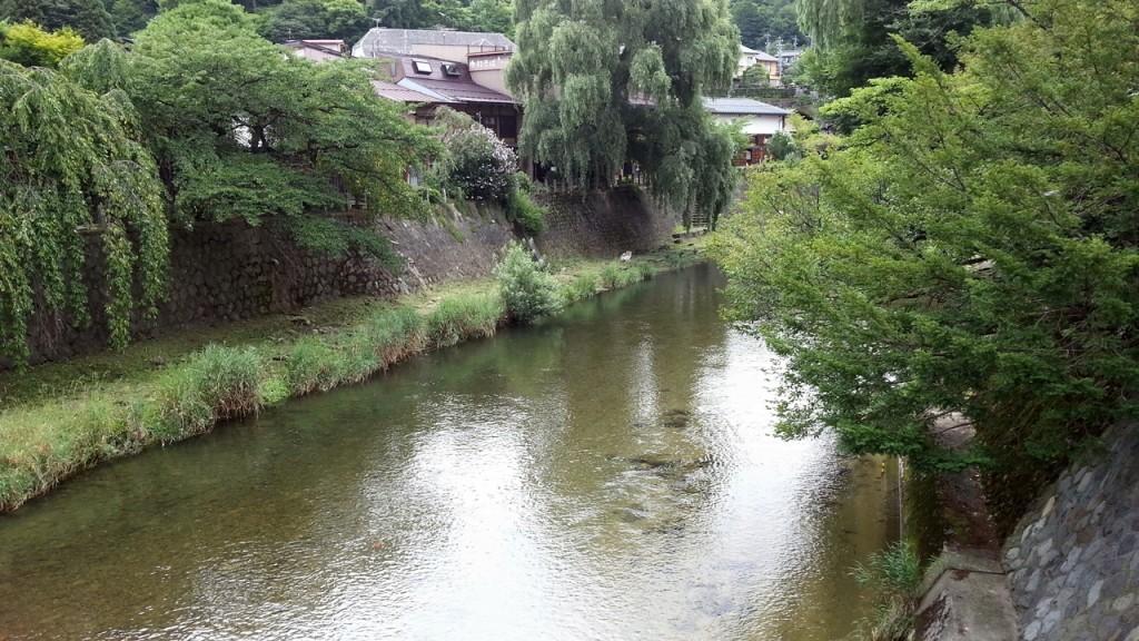 橋の上から宮川